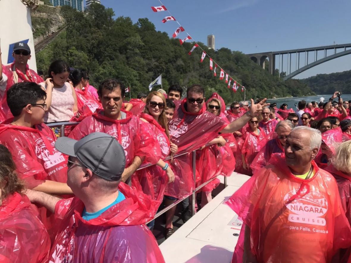در آبشار نیاگارا چه تقریحاتی انتظارمان را می کشد؟