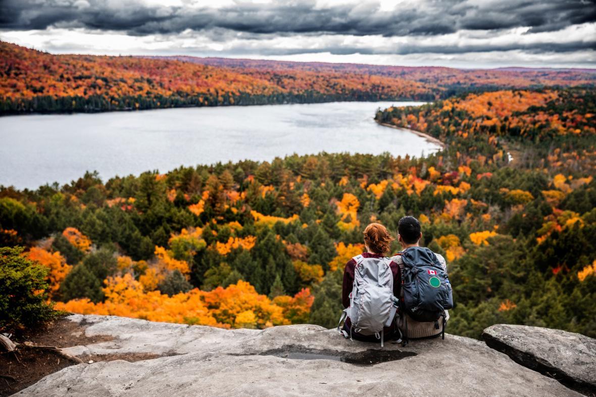 تماشایی ترین رنگ های پاییز کانادا در پارک آلگون کویین