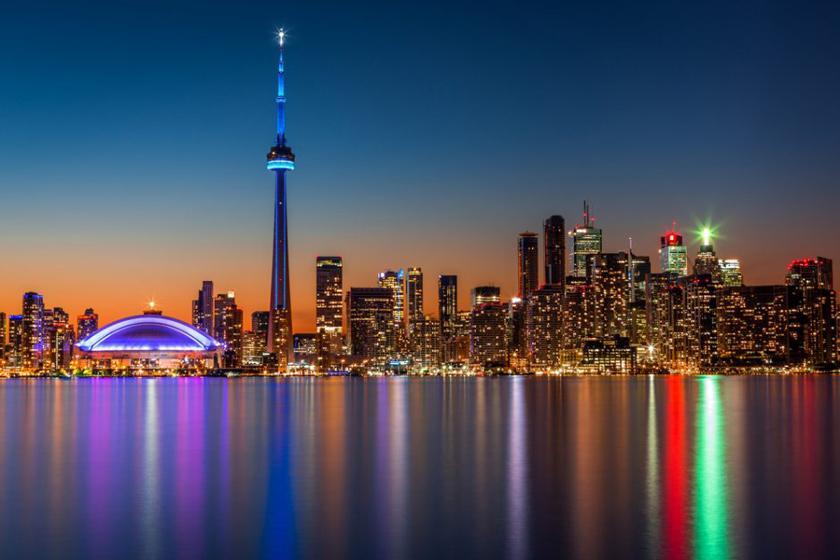 کی به تورنتو سفر کنیم؟