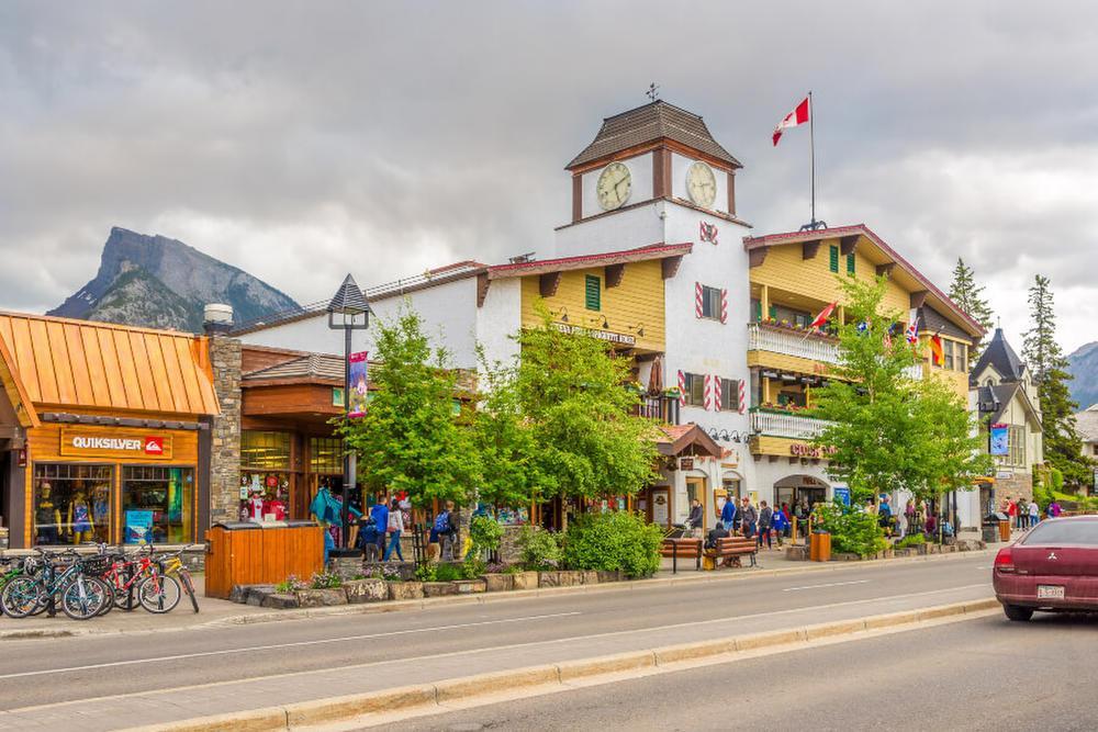 شرایط و مدارک اخذ ویزای توریستی کانادا