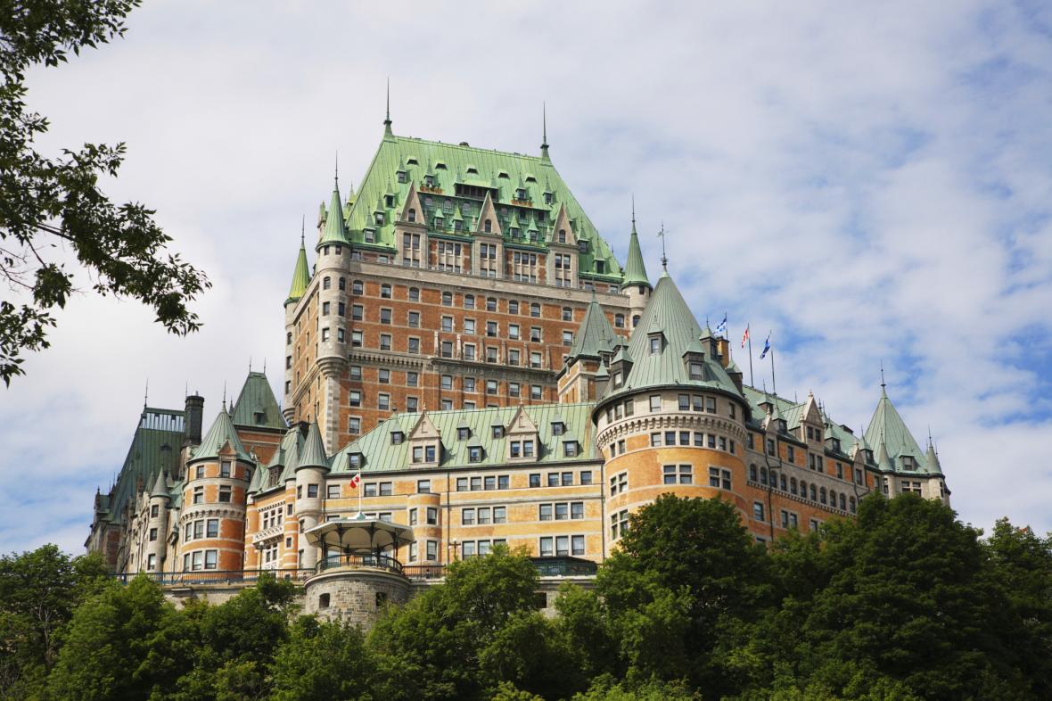 هتل قصر فرانتک کبک