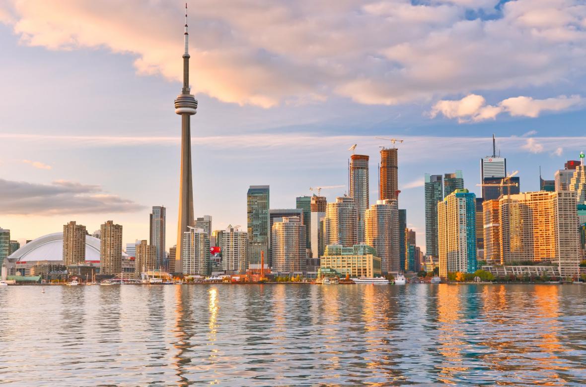 تورنتو یا سنگاپور؟ برای زندگی یا مهاجرت کدام انتخاب بهتری است؟