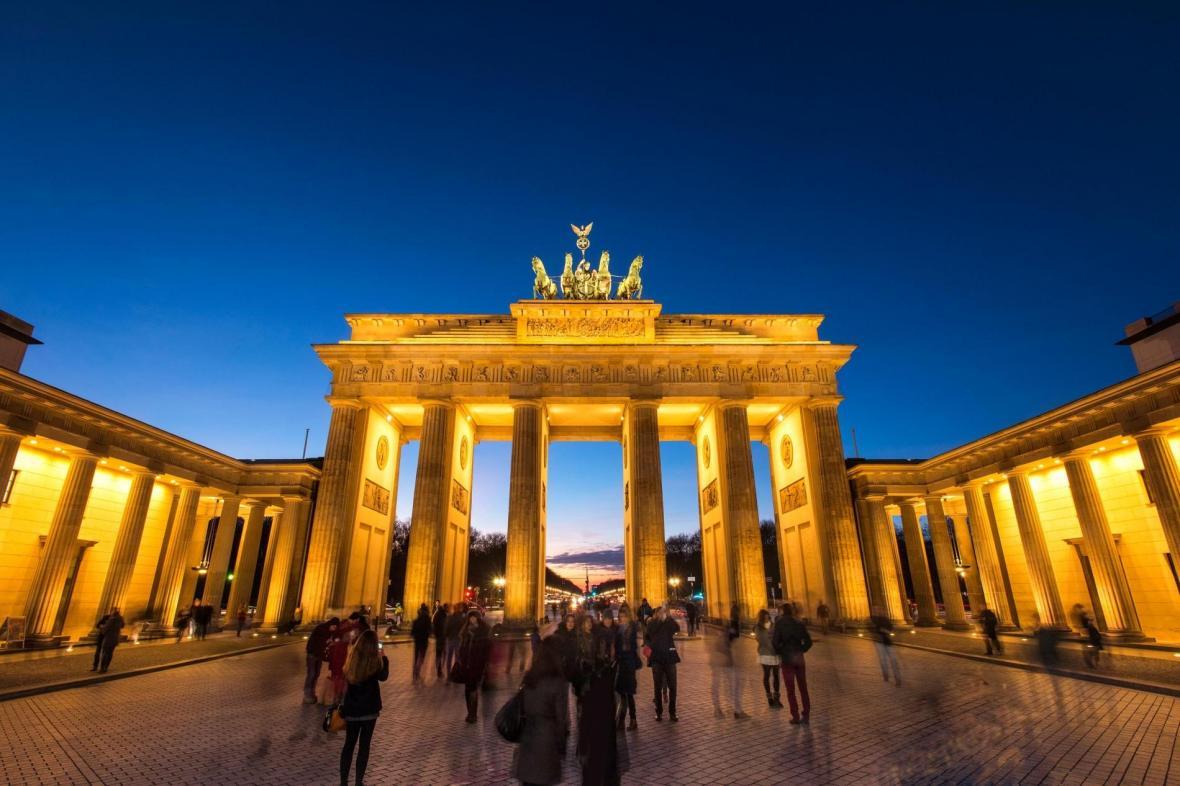 برلین یا تورنتو؟ کدامی را برای زندگی و مهاجرت انتخاب کنم؟