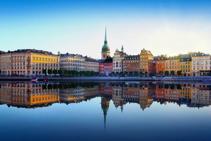 استکهلم یا تورنتو؟ سوئد یا کانادا؟ مهاجرت و زندگی در کدام بهتر است؟