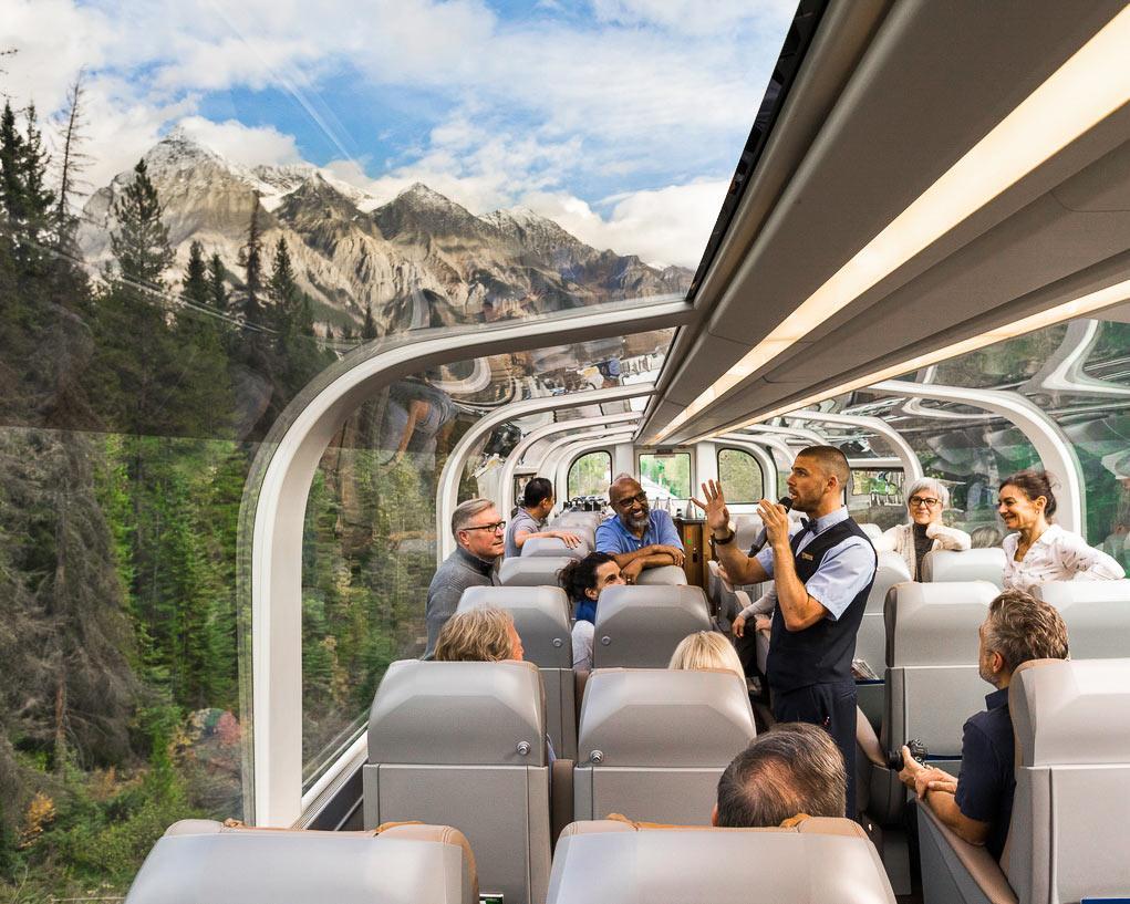 سفری شیک با قطار به کوه های راکی کانادا: تجربه ای که یک عمر به یاد خواهید داشت