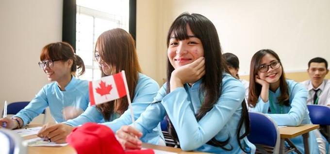 آشنایی با دبیرستان های کانادا، بهترین و معروفترین ها