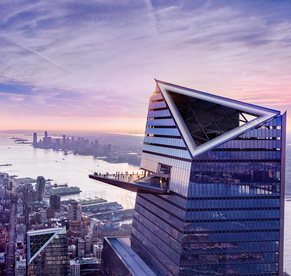 بر فراز Edge در Hudson Yards نیویورک آمریکا