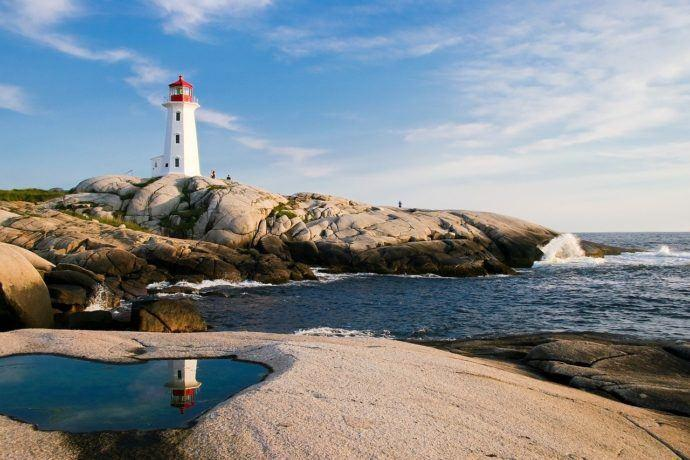 آیا کانادا در سال 2021 برای سفر ایمن است؟