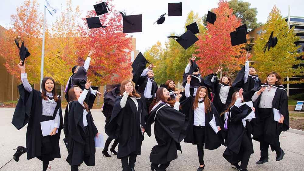 اتاوا مسیر جدیدی را برای اقامت دائم کارگران و فارغ التحصیلان گشوده است