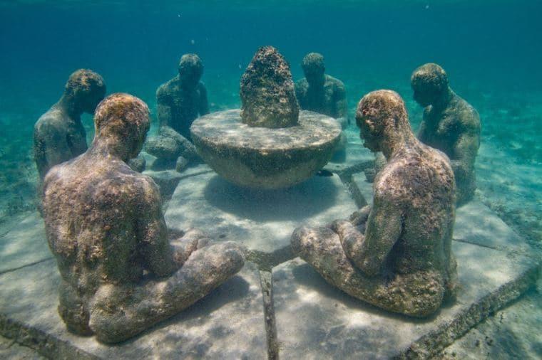 موزه زیر آبی کانکون مکزیک
