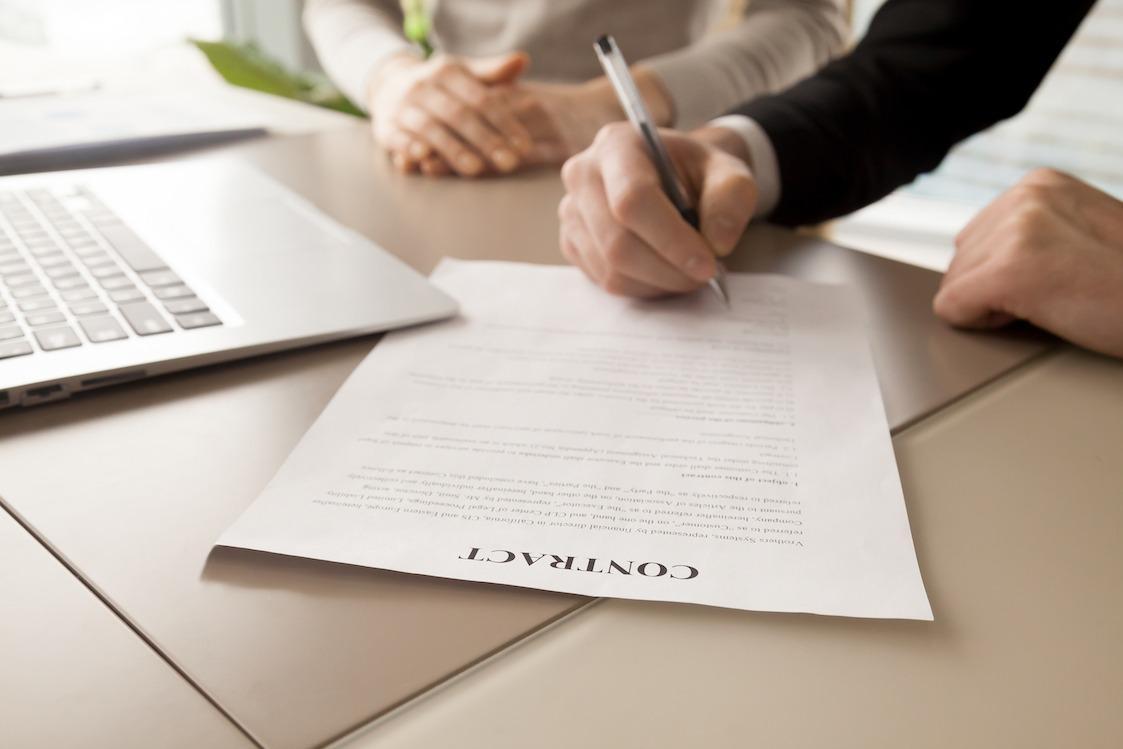 مجوز کسب و کار بزرگ در مقابل همکاری در کانادا