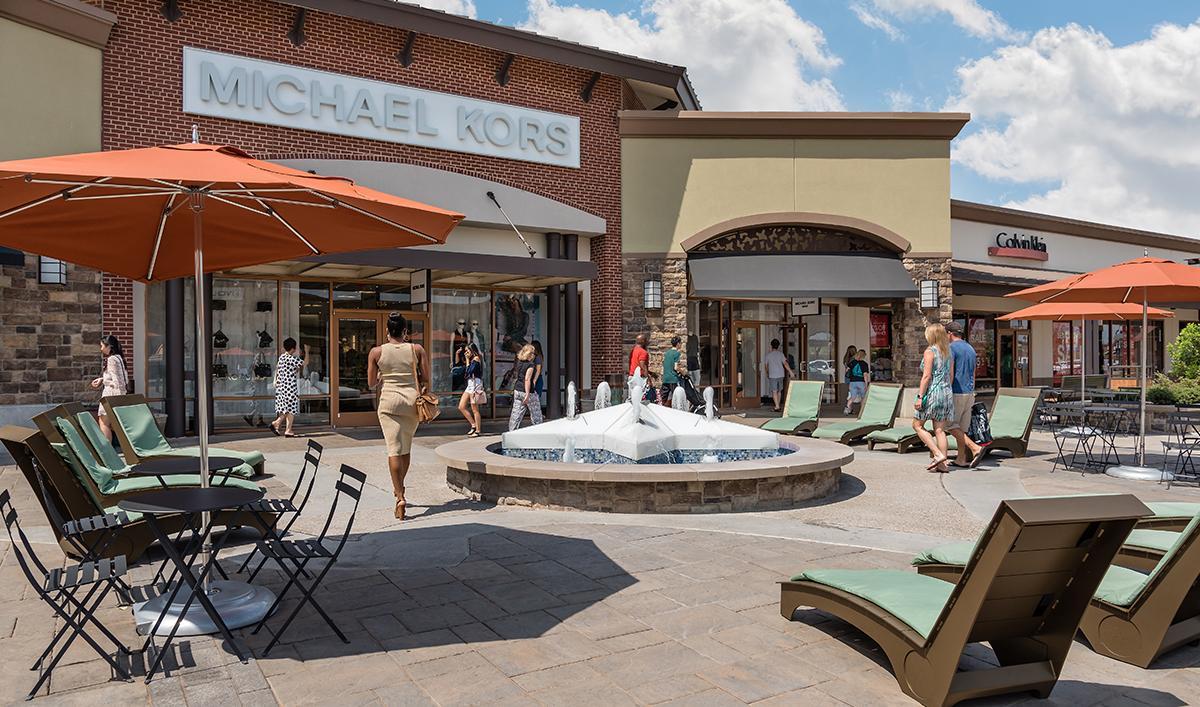 24 تا از بهترین مراکز خرید در آمریکا (اوتلت)