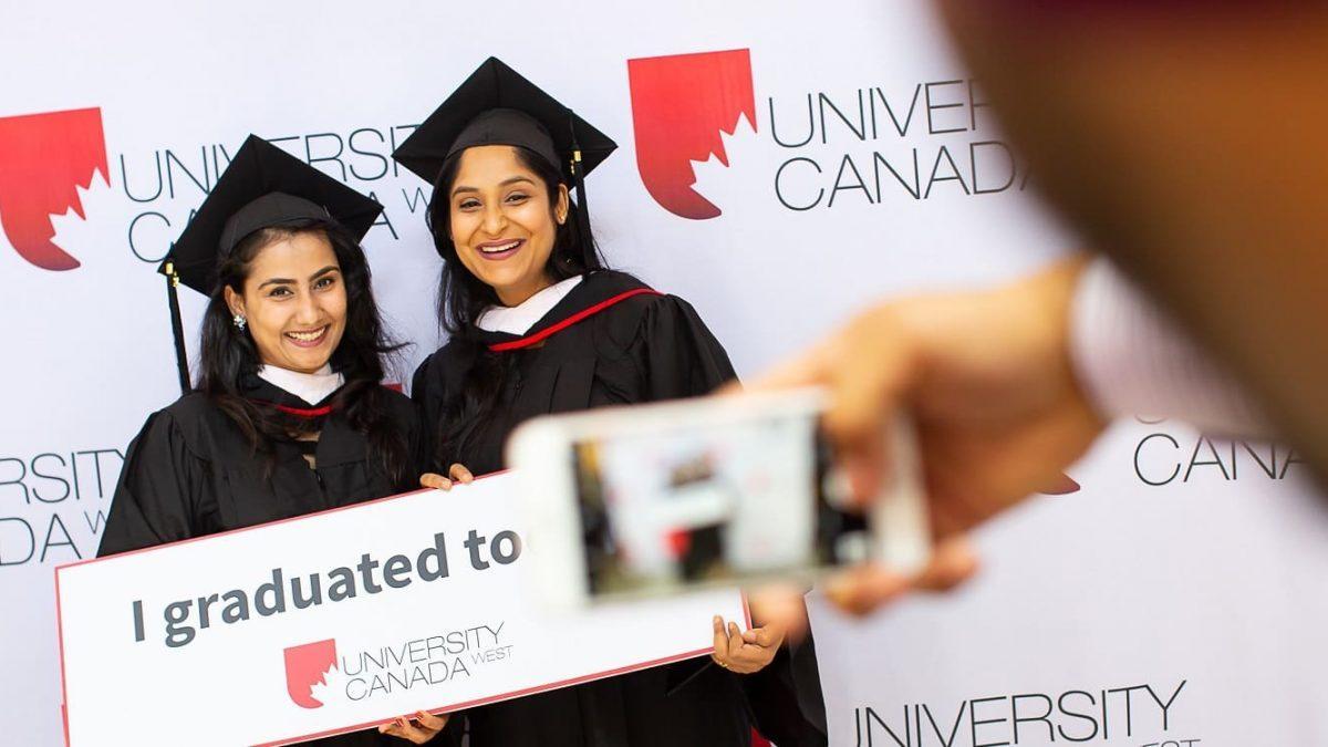 گرفتن پذیرش از دانشگاه های کانادا چه مراحلی دارد؟