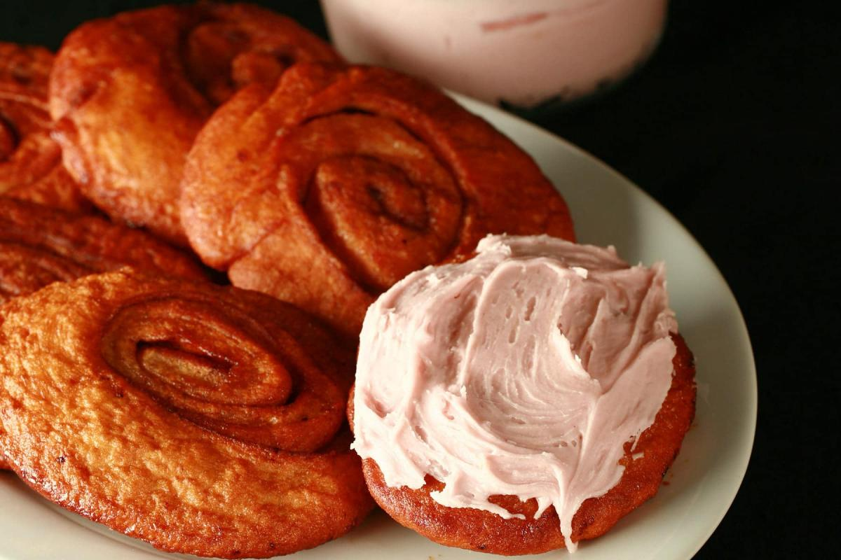 پرشین رول (persian roll) یک شیرینی محبوب در کانادا