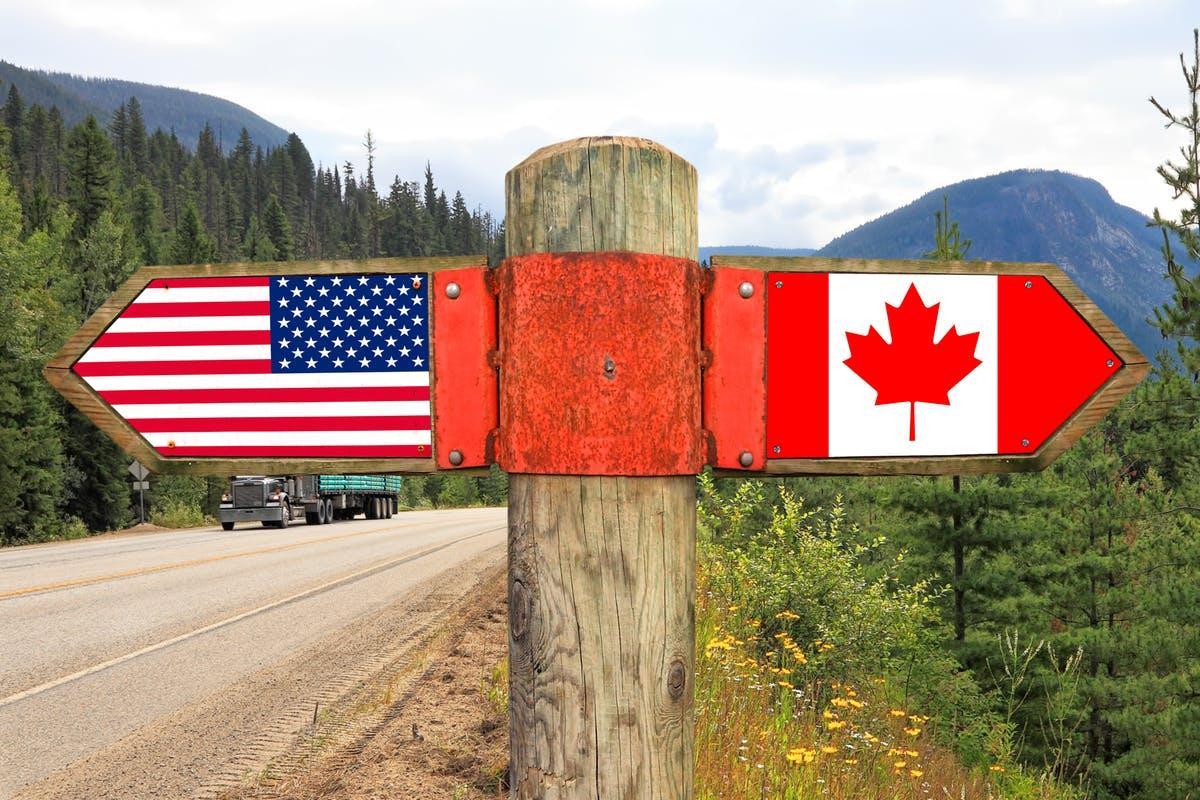مرزهای کانادا و آمریکا تا یک ماه آینده به روی هم باز خواهد شد