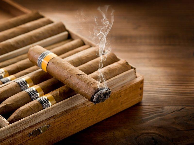 سیگار برگ کوبایی، نماد این کشور